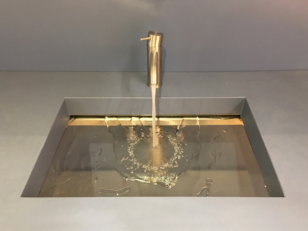 Impianto idraulico bagno. Foto lavabo